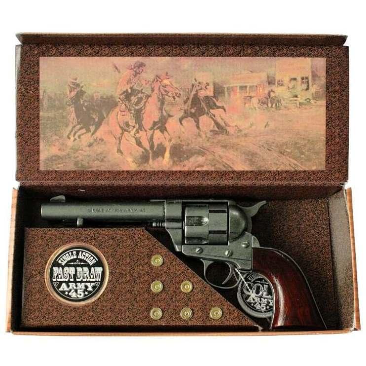 Revolver mit Patronen Deko