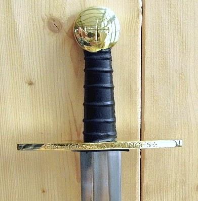 Bild Nr. 01 Schaukampf-Kreuzritterschwert graviert