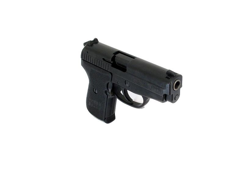 Bild NCIS Dienstwaffe Pistole Sig P239 Dienstmarke pesönlicher Ausweis Messer Abb. Nr. 13
